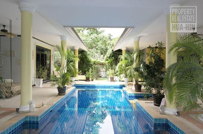 Golf Course Swimming Pool Villa For Sale Hua Hin Thailand (PRHH7680)