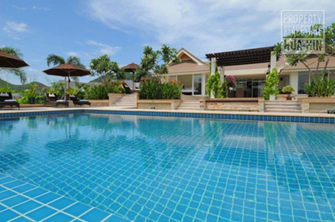 Modern Swimming Pool Villa For Sale Near Hua Hin City Center Views Of Black Mountain (PRHH6708)