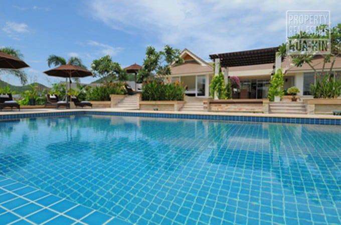 Modern Swimming Pool Villa For Sale Near Hua Hin City