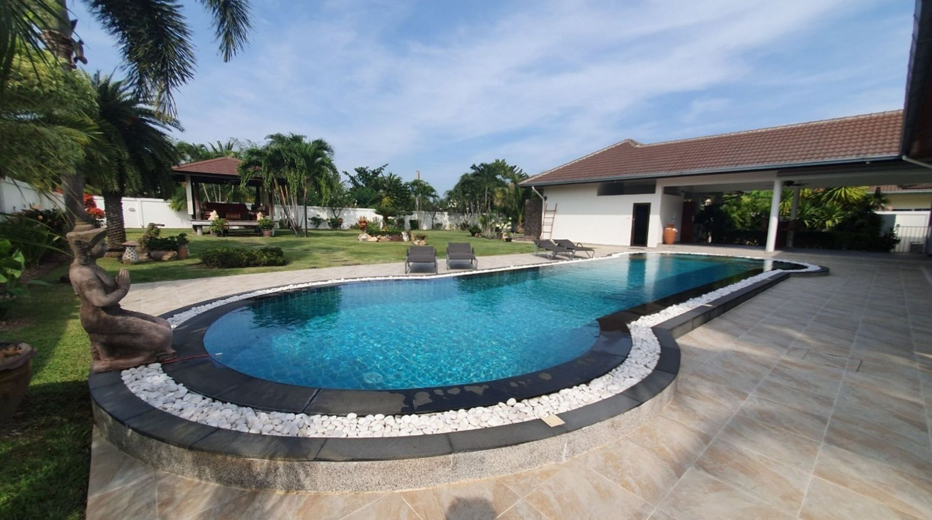 beachfront-property-for-sale-in-thailand-464436931