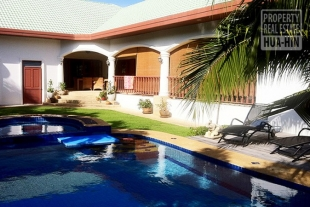 Very large and very private swimming pool villa for sale in Hua Hin South (PRHH7278)