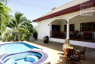Exclusive swimming pool & Jacuzzi villa in HuaHin South (PRHH7298)
