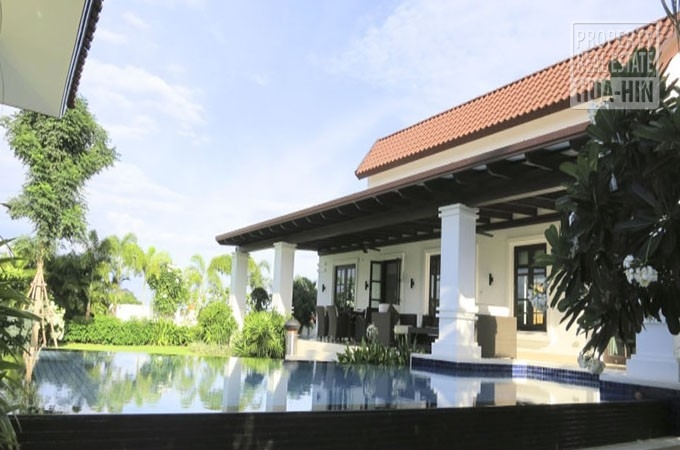 Large House For Sale On Big Plot In Hua Hin (PRHH8224)