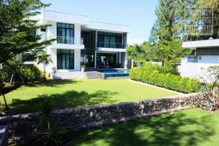Property for sale in Hua Hin Beach Villa For Sale Haui Yang Hua Hin