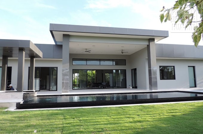 Luxurious House For Sale Hua Hin Thailand (PRHH8400)