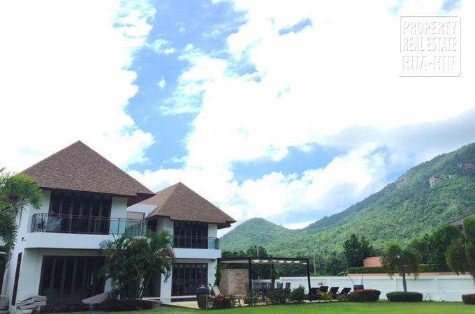 Luxury Golf Course View House Hua Hin Thailand (PRHH8670)