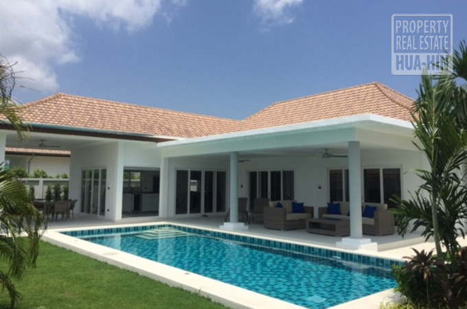 Very modern villa for sale in Hua Hin Thailand PRHH8784