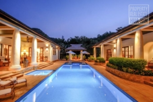 Villa for sale Near Town Beach Hua Hin Thailand (PRHH8822)