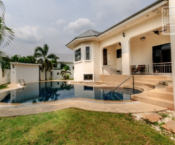 Home For Sale On Great Development Hua Hin Thailand (PRHH8836)
