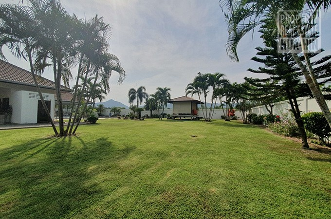 Thai properties for sale, beachfront property for sale hua hin
