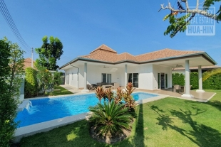 Brand new luxury 3 bedroom pool villa for sale (PRHH9236)